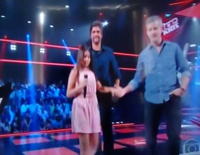 Divinopolitana Mayra Rodrigues Participa Do The Voice Kids E Vitor Leo Viraram A Cadeira Video Divinews Com